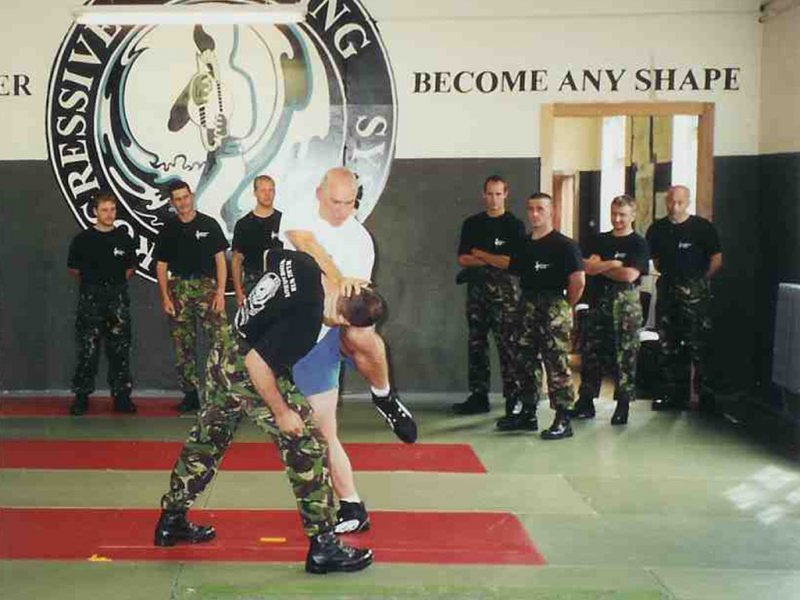 m-gruner-trainiert-45-comando-royal-marines-scotland-2002